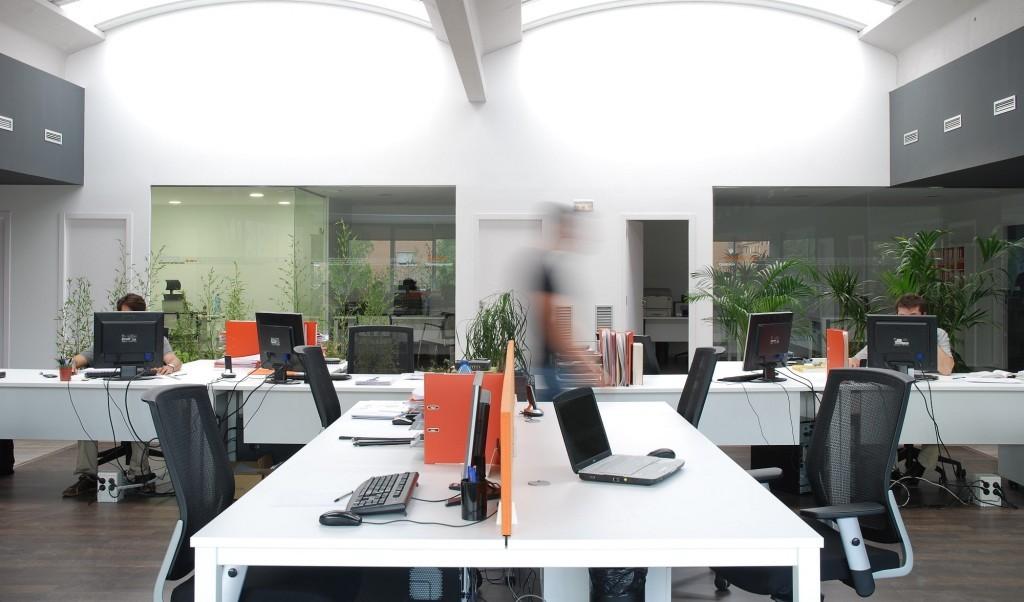 Oficina coworking en barcelona 1024 602 gestor a andrade for Oficina correus barcelona